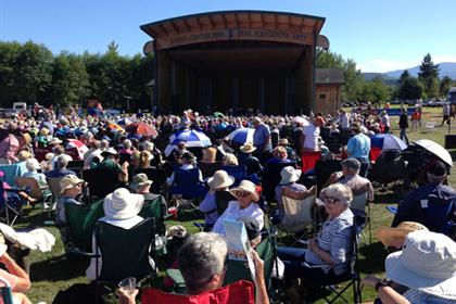 Kingston Trio Crowd