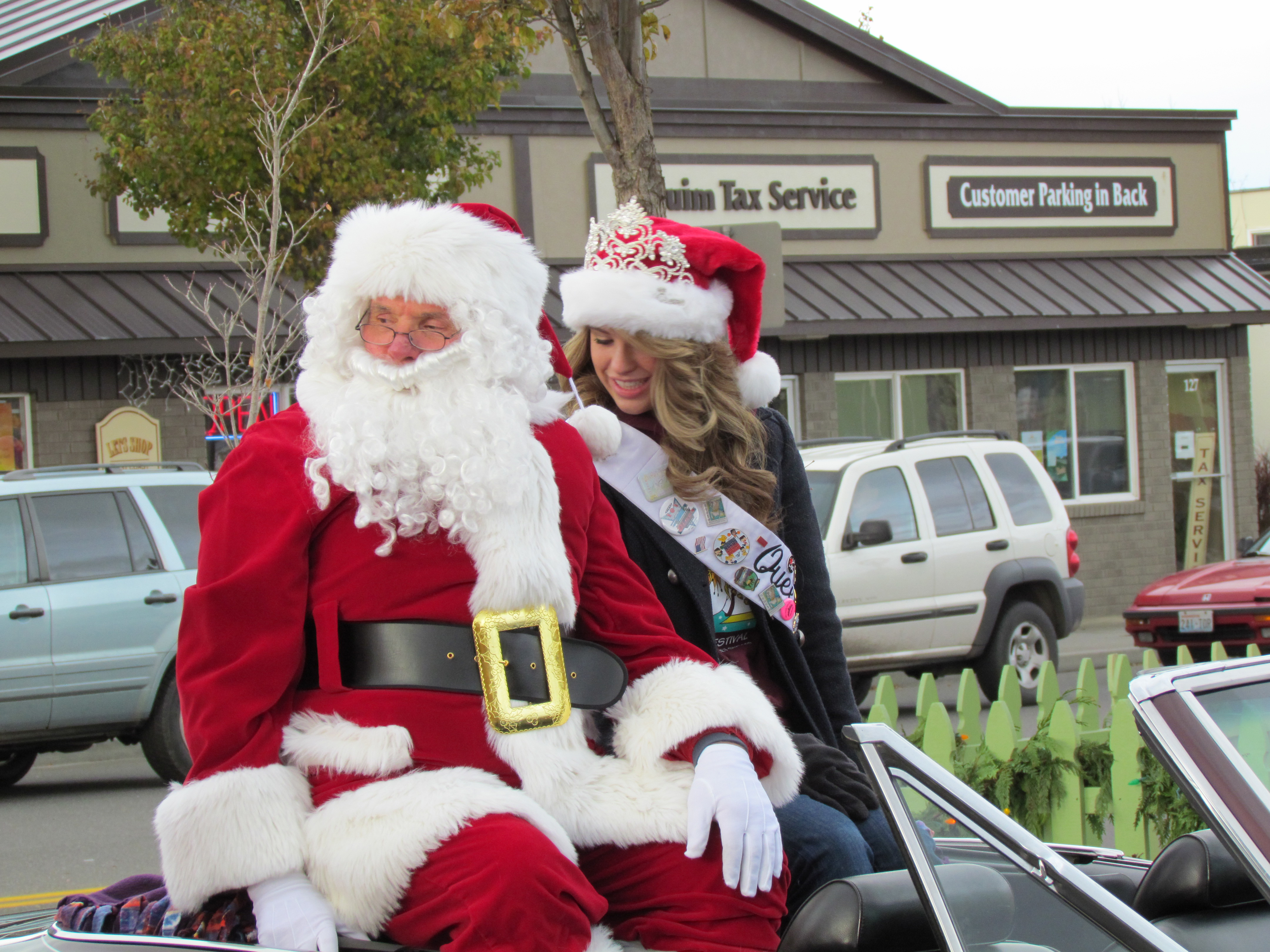Santa with Irrigation Festival Queen